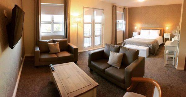 Honeymoon Suite Wedding Hotel, Glenrothes